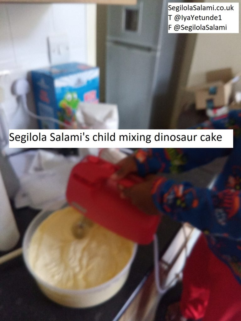 how to not decorate a dinosaur cake using buttercream